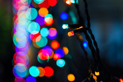 Belle luci delle ghirlande dell'albero di Natale Immagine Stock