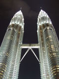 belle lumière à la tour de Petronas dans le malasia de lumpor de kula Photo stock