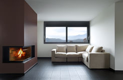 Belle maison intérieure photos stock