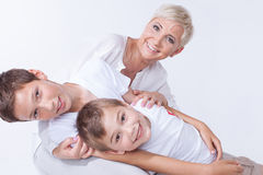 Belle maman avec des fils Image libre de droits