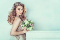 Belle mariée dans la robe de mariage Photos libres de droits