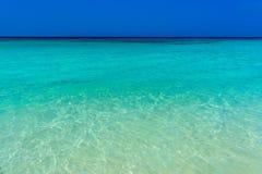 Belle mer azurée, plage de Haad Yao, île de Koh Phangan, Suratth photos stock