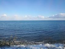 Belle mer calme du Japon Russie le long de voie ferroviaire d'Otoru dans Hokkai photo libre de droits