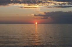 Belle mer de coucher du soleil Photographie stock libre de droits