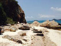Belle mer de montagnes Photos stock