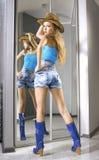 Belle misure del blonde su un cotone americano Fotografia Stock Libera da Diritti