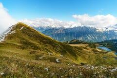 Belle montagne à la chute Images stock