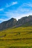 Belle montagne en Roumanie Photographie stock libre de droits