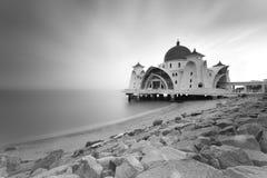 Belle mosquée en noir et blanc Photo stock