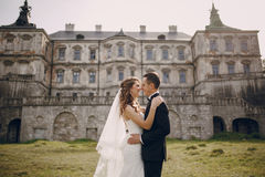 Belle nozze delle coppie Fotografie Stock Libere da Diritti
