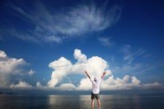 Belle nuvole della forma insolita Immagine Stock