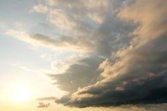 Belle nuvole distese al tramonto Immagine Stock