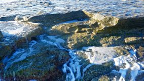 Belle onde blu del mar Mediterraneo, bello paesaggio, cielo blu Fotografia Stock Libera da Diritti