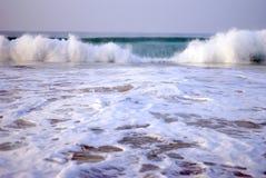 Belle onde su Oceano Indiano Fotografie Stock Libere da Diritti
