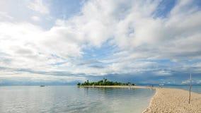 Belle petite île tropicale Images libres de droits