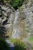Belle petite cascade en gorge, Itum-chou frisé, Chechenie, Russie Image libre de droits