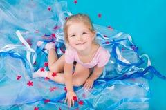 Belle petite fille heureuse Photos libres de droits
