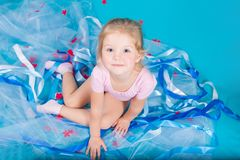 Belle petite fille heureuse Images stock