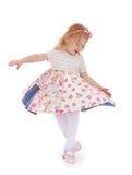 Belle petite fille le tournant autour Photographie stock libre de droits