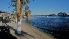 Belle plage avec des palmiers Images stock