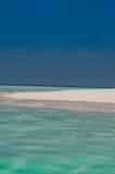 Belle plage d'île sur les Maldives Image stock