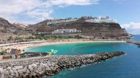 Belle plage d'Amadores chez Gran Canaria de l'air clips vidéos