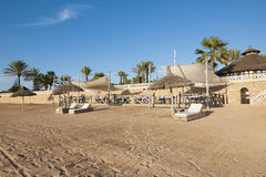 Belle plage d'une station de vacances marocaine Photographie stock libre de droits