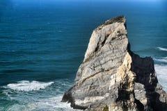 Belle plage d'Ursa avec ses formations de roche colossales image stock