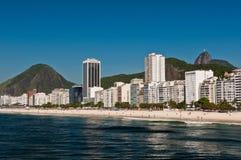 Belle plage de Copacabana sur Sunny Day Photos stock