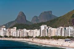 Belle plage de Copacabana sur Sunny Day Photo libre de droits