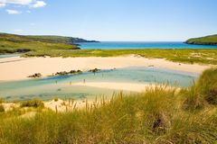Belle plage de crique d'orge, liège occidental, Irlande Images stock