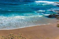 Belle plage de sable près de Wollongong, NSW photographie stock libre de droits