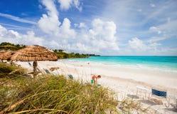 Belle plage des Caraïbes Image libre de droits