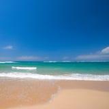 Belle plage en été photographie stock libre de droits