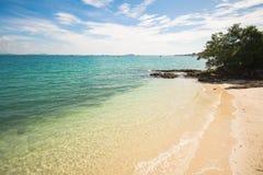 Belle plage en île de Samed Photographie stock