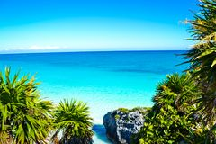 Belle plage maya dans Tulum, Quintana Roo, Mexique images stock