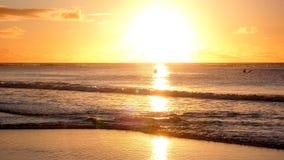 Belle plage sablonneuse au coucher du soleil à Cape Town Image stock
