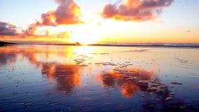 Belle plage sablonneuse au coucher du soleil à Cape Town Photo libre de droits