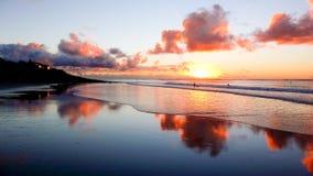 Belle plage sablonneuse au coucher du soleil à Cape Town Photo stock