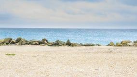 Belle plage sablonneuse jaune Photographie stock libre de droits