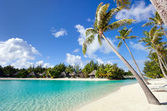 Belle plage sur Bora Bora Photo stock