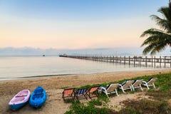 Belle plage sur l'île tropicale Image libre de droits