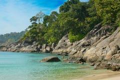 Belle plage tropicale à Phuket. La Thaïlande Images stock