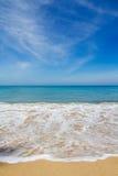 Belle plage, verticale Images libres de droits
