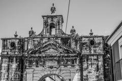 Belle porte antique à la rue d'Amoreiras à Lisbonne - à LISBONNE/au PORTUGAL - 14 juin 2017 Photos libres de droits