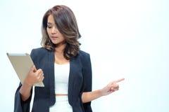 Belle position asiatique de femme de portrait, secteur vide d'apparence pour Photographie stock libre de droits