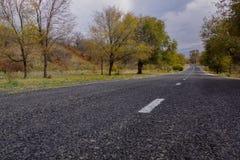 Belle route dans les montagnes d'Almaty Images stock