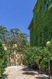 Belle rue en voisinage de Mets, Athènes, Grèce photographie stock libre de droits