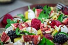 Belle salade saine Photo libre de droits