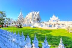 Belle scène à l'intérieur de temple blanc public Image libre de droits